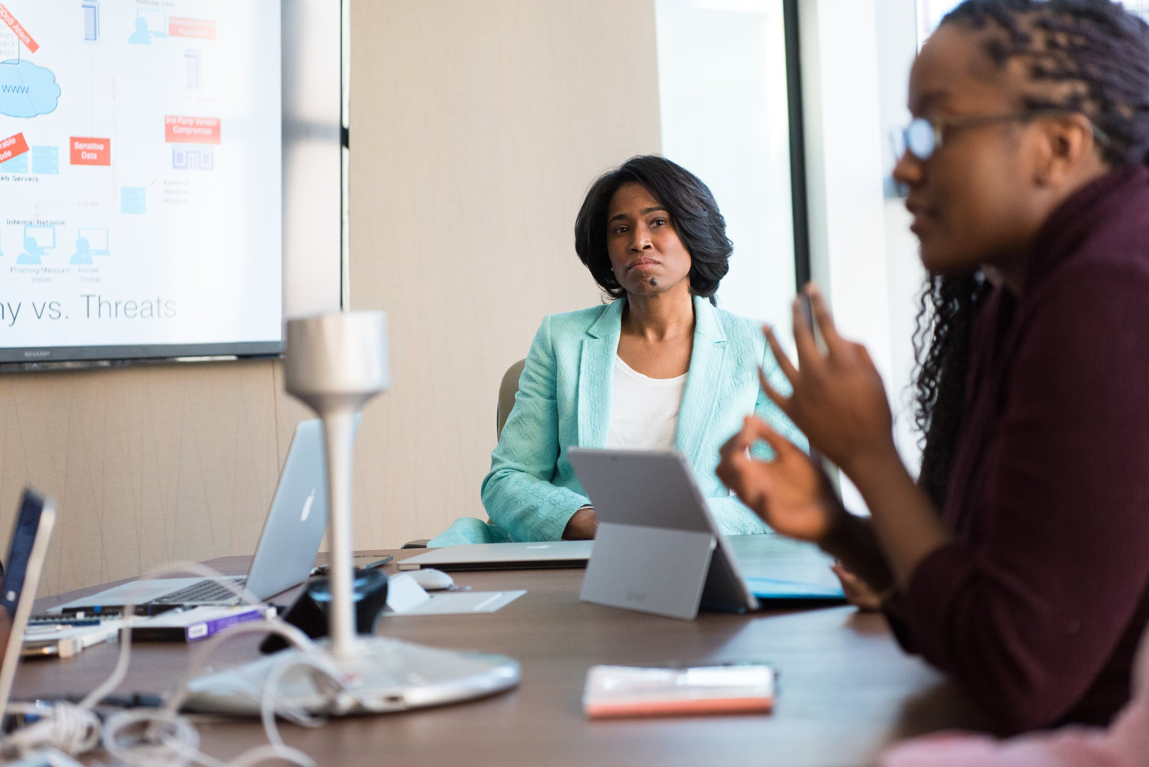 How to run a business meeting that is productive and efficient.